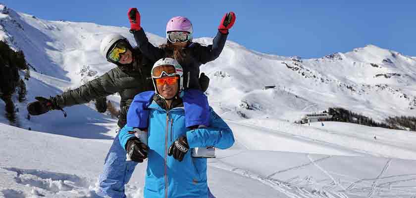 italy_pila_skiers.jpg